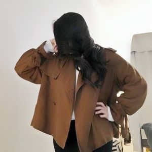 Trapeze camel trench